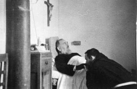 ¡El PADRE PÍO fue asesinado por orden de Montini-Pablo 6 ! Tr89